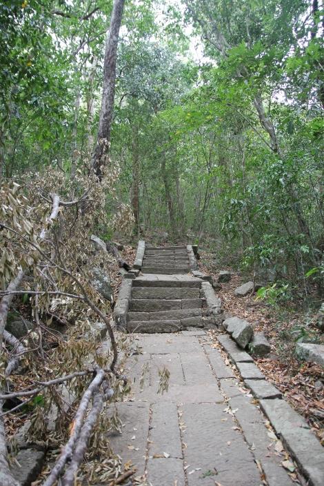 El misterioso templo en la jungla de Ritigala