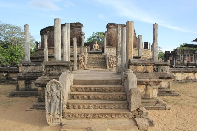 El precioso Vatadage de Polonnaruwa