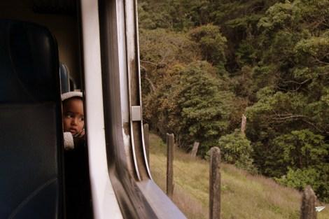Miradas curiosas en los trenes de Sri Lanka
