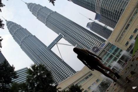 Caminando Petronas